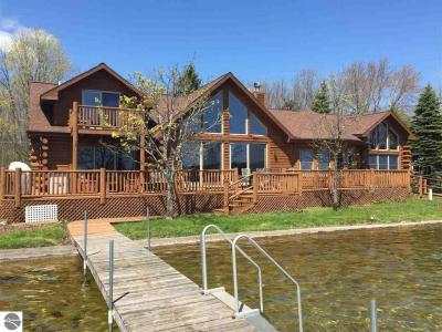 Photo of 10277 Diamond Park Road, Interlochen, MI 49643