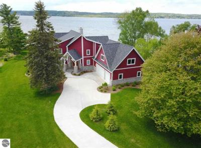 Photo of 8040 S Lakeview Road, Traverse City, MI 49684