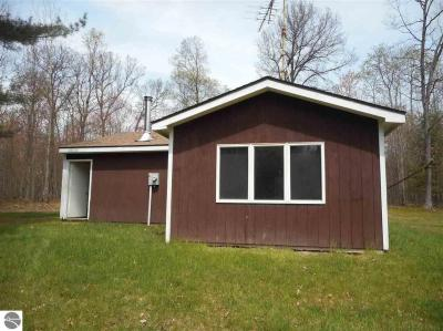 Photo of 12280 Tenth Avenue, Marion, MI 49665