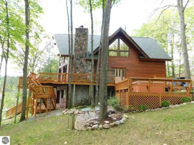 Photo of 8768 Sunset Trail, Mancelona, MI 49659