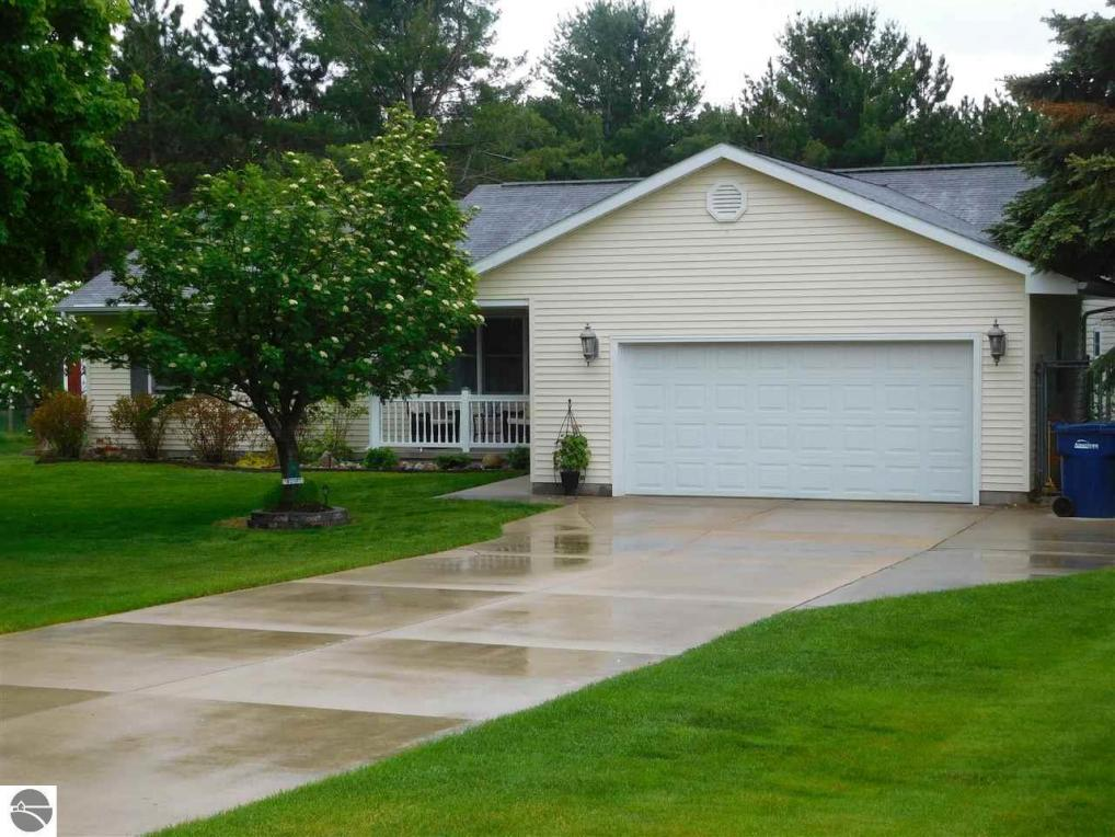 7455 Sandy Lane, Bellaire, MI 49615