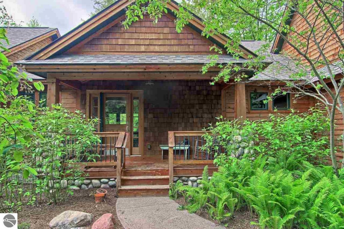 3940 Northshore Trail, Kewadin, MI 49648