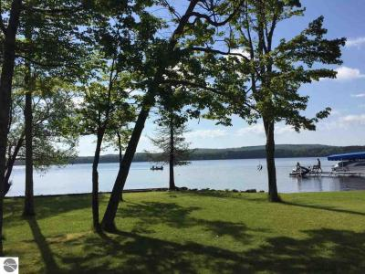 Photo of 10800 Puryear Drive, Interlochen, MI 49643