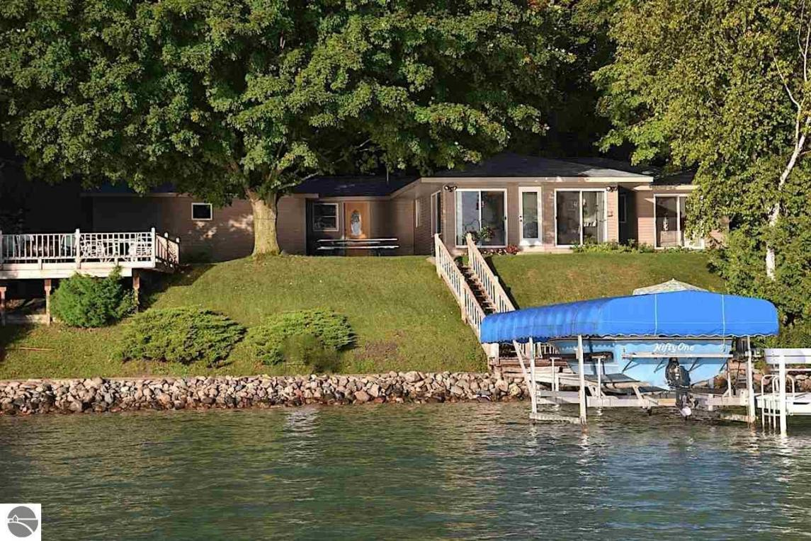 2485 NW Torch Lake Drive, Kewadin, MI 49648