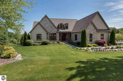 Photo of 4537 Wolverine Drive, Williamsburg, MI 49690