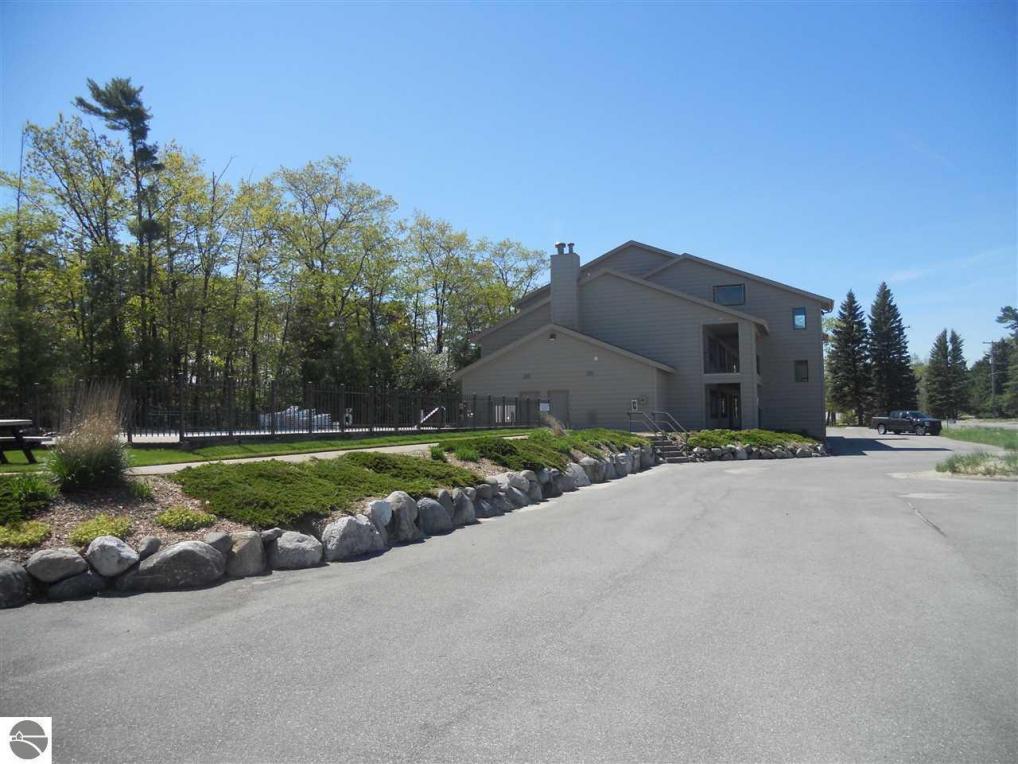 8975 N Bayshore Drive #10, Elk Rapids, MI 49629