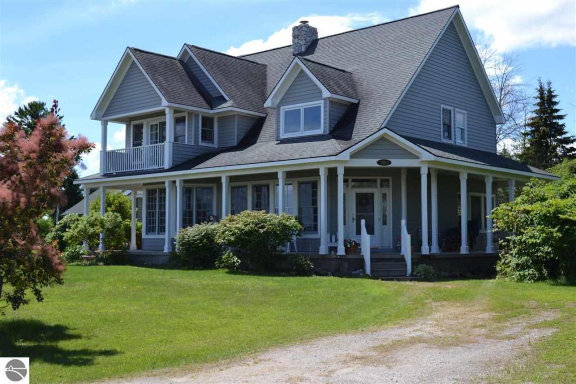 1860 S Sturgeon Point, Harrisville, MI 48740
