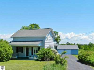 Photo of 12136 Center Road, Traverse City, MI 49686