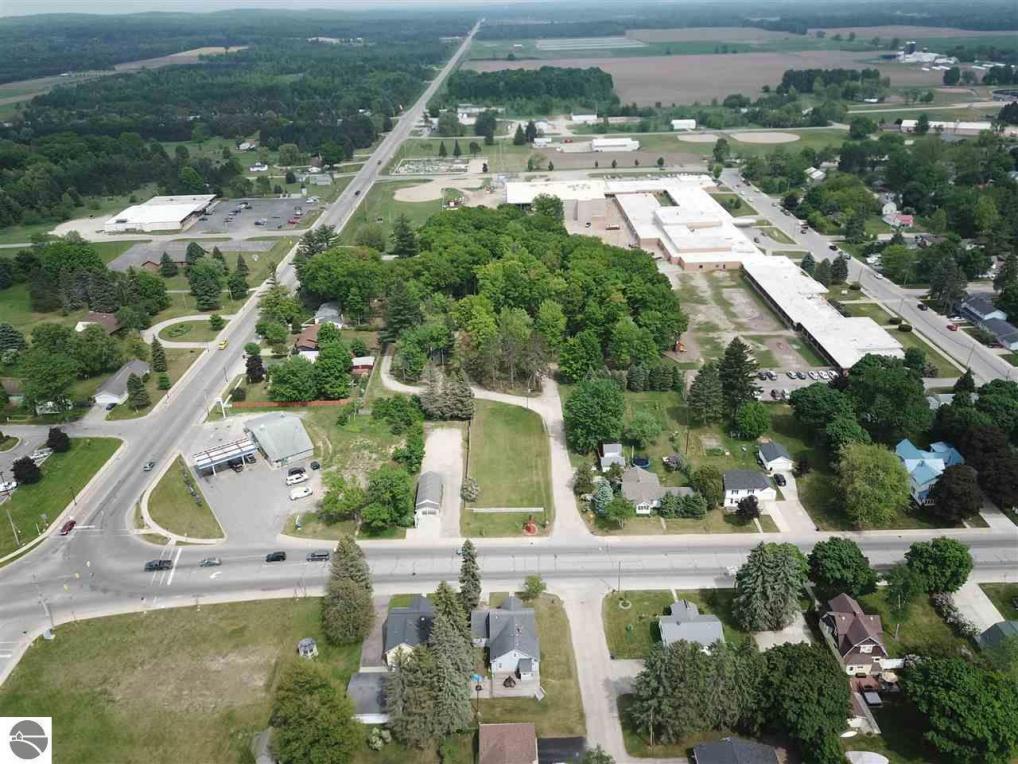 406 N Main Street, Lake City, MI 49651