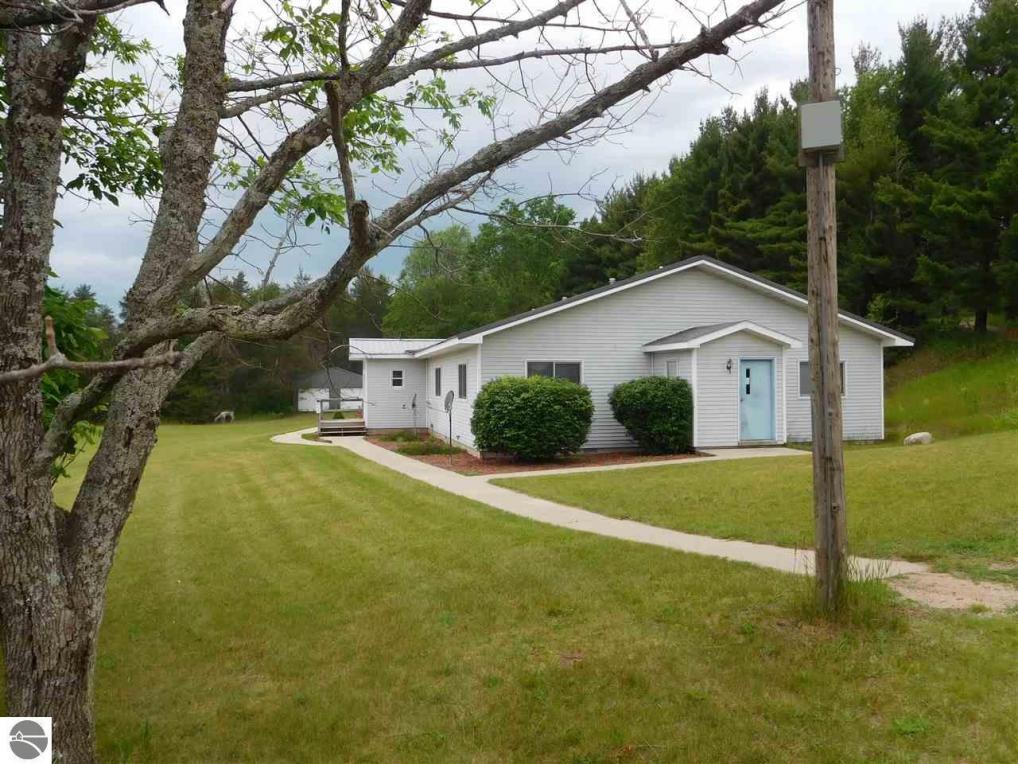 10303 Nurnberger Road, Bear Lake, MI 49614