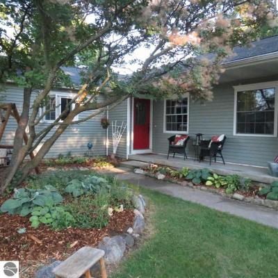 Photo of 311 Chippewa Street, Elk Rapids, MI 49629
