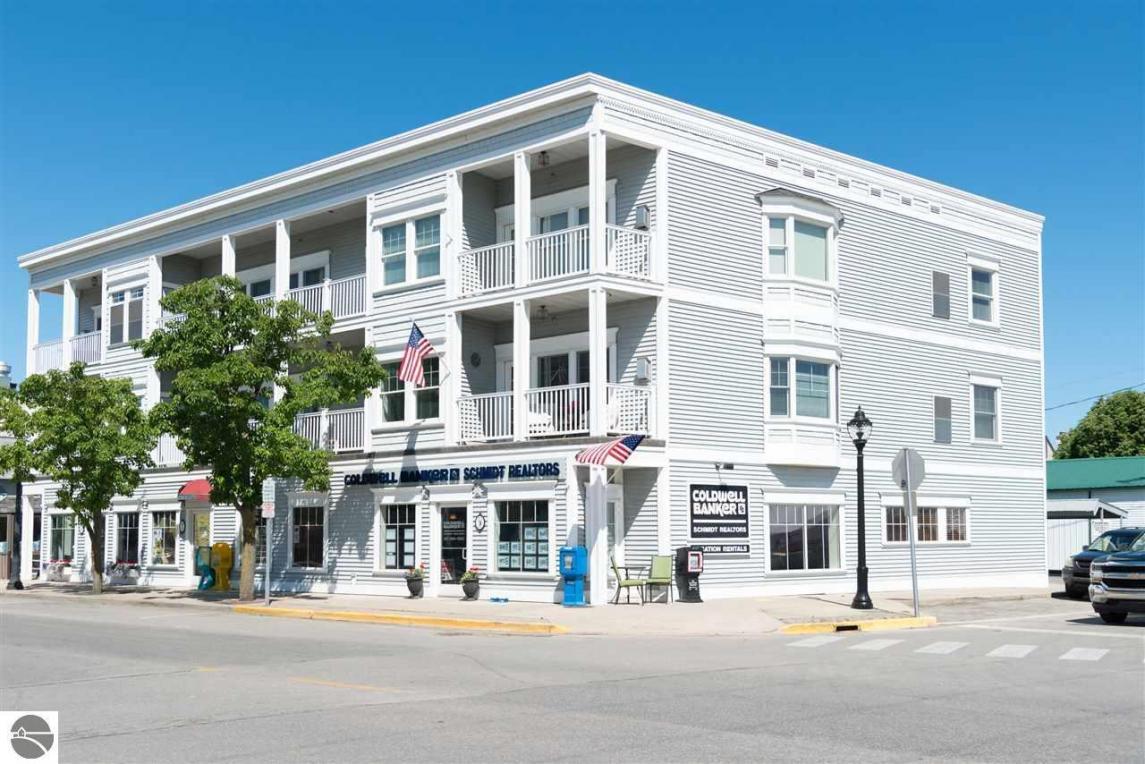 100 River Street #8, Elk Rapids, MI 49629