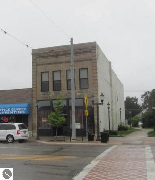 330 S Cedar Street, Kalkaska, MI 49646