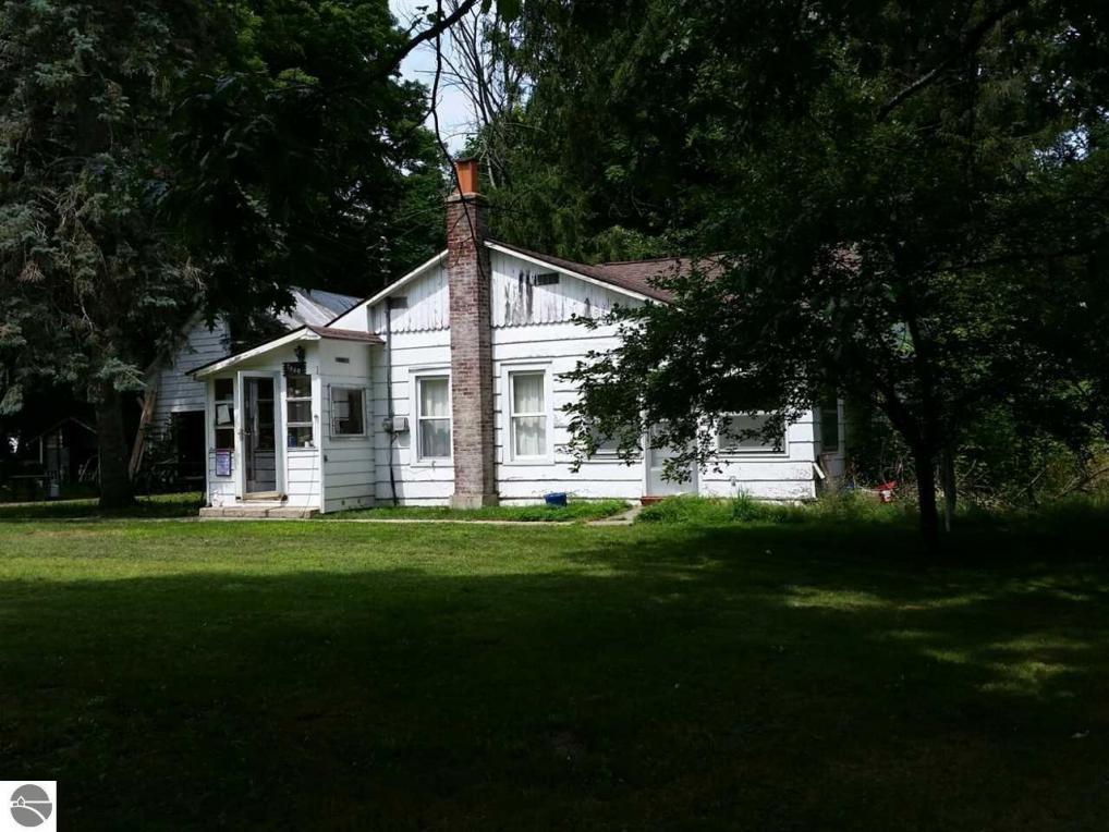7940 Grove, Central Lake, MI 49622