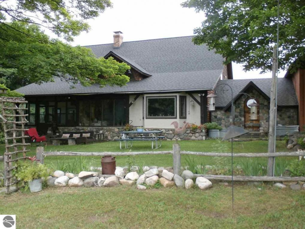 6891 S Dennis Road, Ellsworth, MI 49729