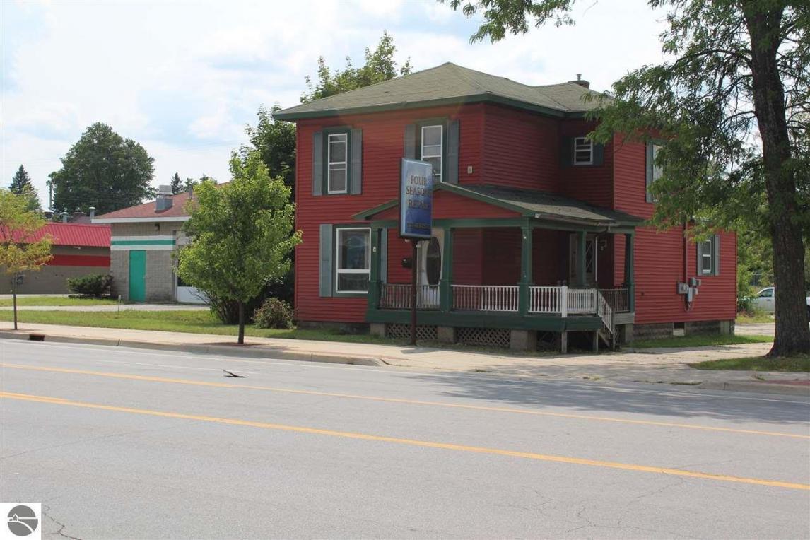 627 N Mitchell Street, Cadillac, MI 49601
