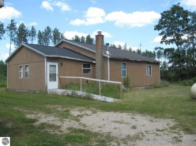 2072 NE Darke Road, Kalkaska, MI 49646