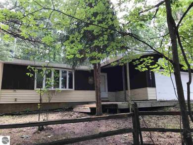 1049 Rennie Lake Road, Traverse City, MI 49686
