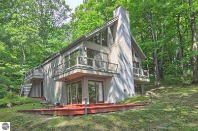 3300 Wabanaki Trail, Traverse City, MI 49686
