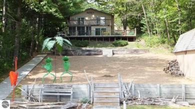 18877 Lakewood Circle Drive, Lake Ann, MI 49650