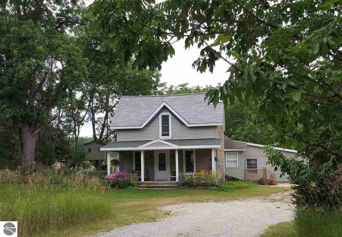 4462 Wallaker Road, Benzonia, MI 49616