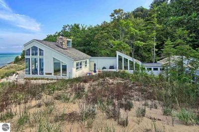 Photo of 500 Beach Road, Frankfort, MI 49635