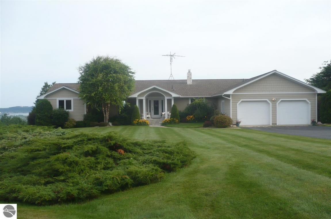 2396 White Road, Frankfort, MI 49635