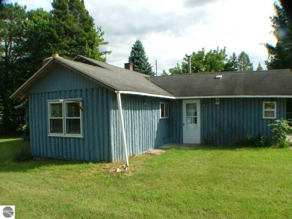 2927 N Main, Central Lake, MI 49622