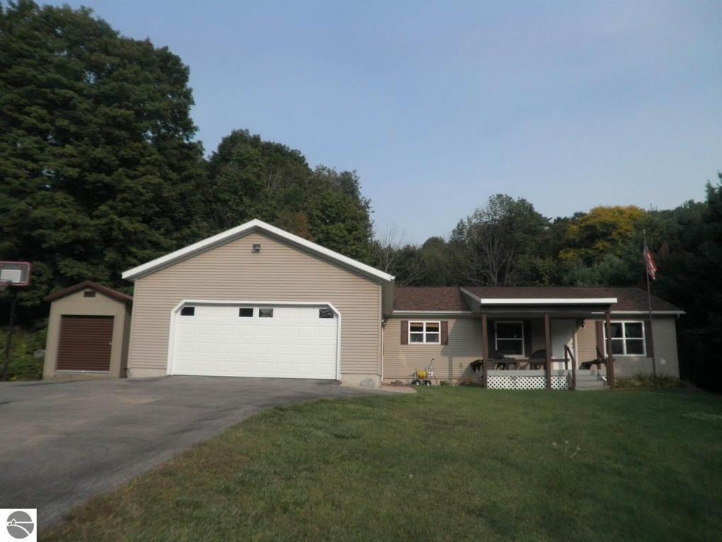 2880 Rushton Road, Central Lake, MI 49622