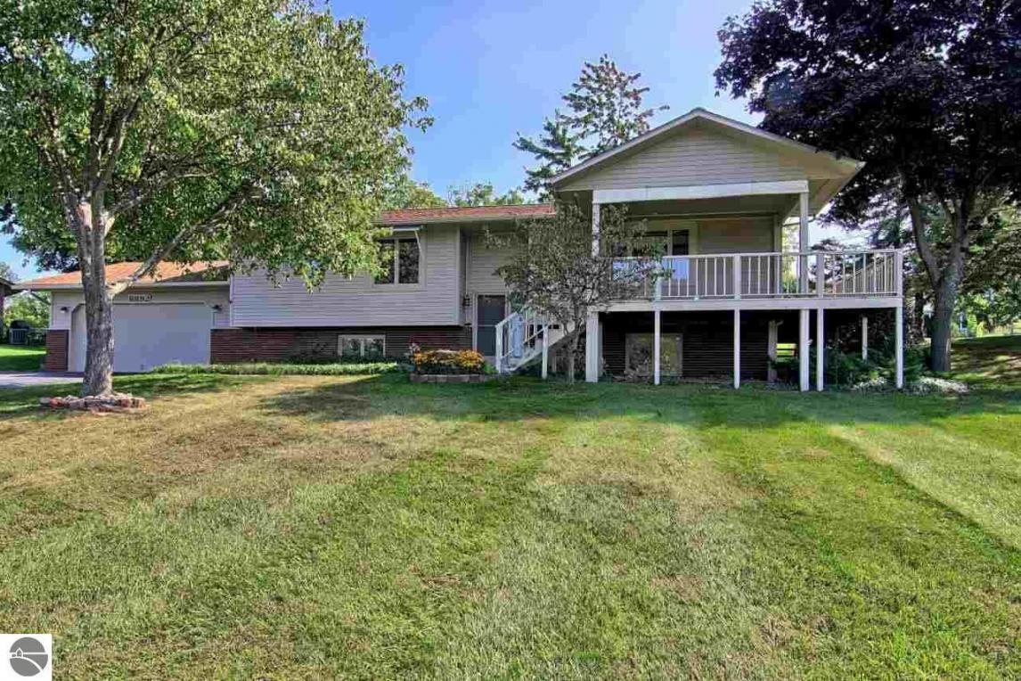 8892 Sunset West, Traverse City, MI 49686