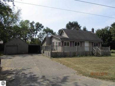 404 Birch Street, Breckenridge, MI 48615