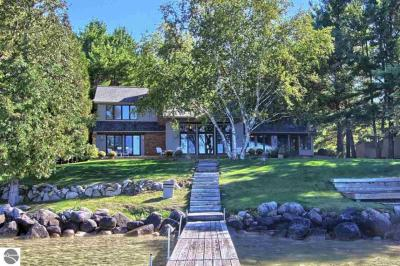 Photo of 5780 Sunset Torch Trail, Bellaire, MI 49615