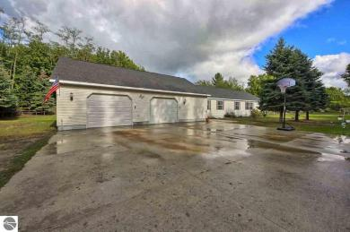 11861 S Benzonia Trail, Empire, MI 49630
