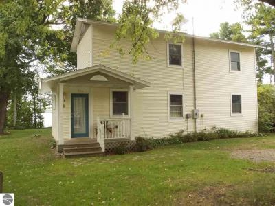 Photo of 536 N West Bay Shore, Suttons Bay, MI 49682
