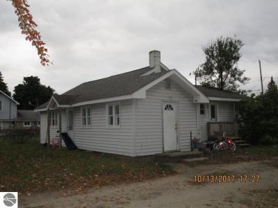 Photo of 106 George Street, Kalkaska, MI 49646