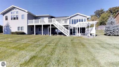 Photo of 504 N Front Street, Suttons Bay, MI 49682