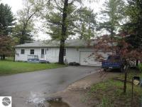 883 Pine Grove Avenue, Traverse City, MI 49686