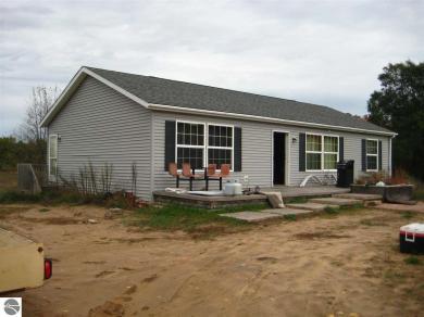6071 E Gallivan Road, Cedar, MI 49621