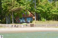 13366 N Forest Beach Shores, Northport, MI 49670