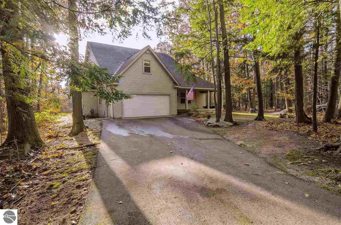 8202 Partridge Woods, Elk Rapids, MI 49629