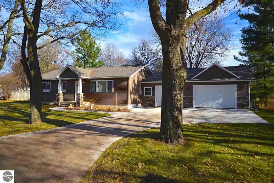 219 Center Street, Elk Rapids, MI 49629