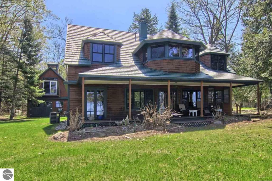 6534 Stoney Point Avenue, Alden, MI 49622