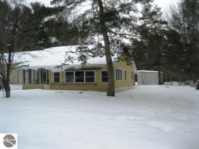 Photo of 1914 Poplar Drive, Ne, Kalkaska, MI 49646