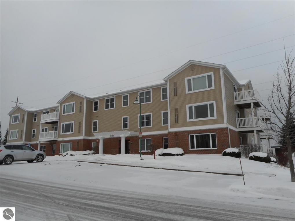 1122 Lake Ridge Drive #206, Traverse City, MI 49684