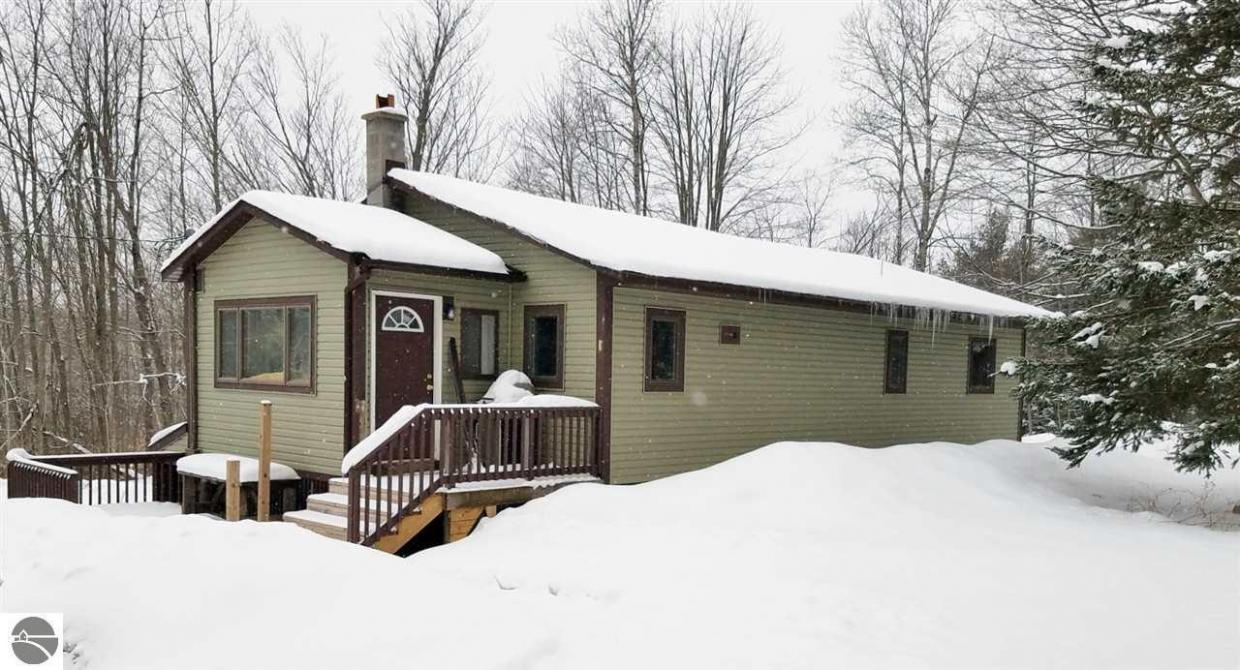 12766 Oakley Road, Honor, MI 49640