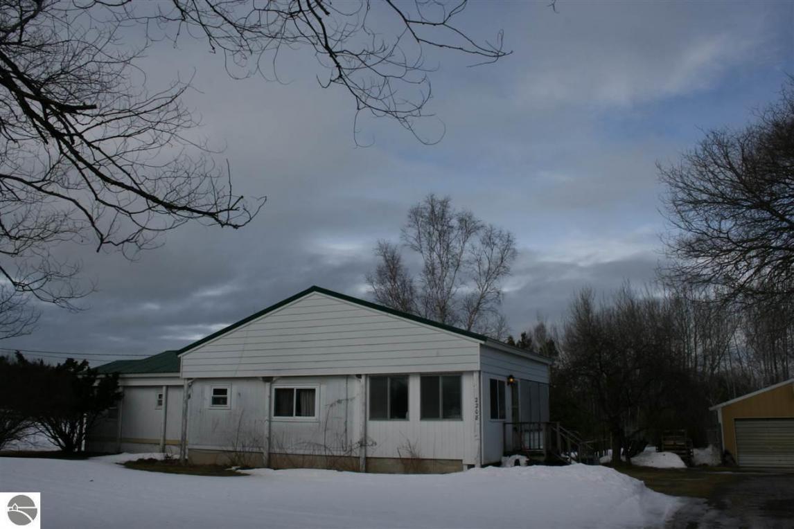 12208 Hjelta Road, Kewadin, MI 49648