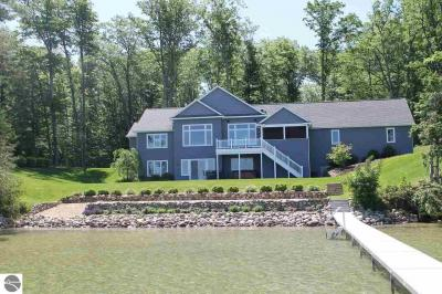 Photo of 567 Eastwood Shores, Traverse City, MI 49685