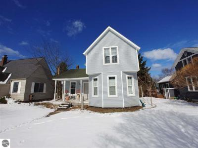 Photo of 611 Forest Avenue, Frankfort, MI 49635