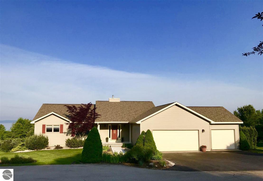 73 S Highland Drive, Lake Leelanau, MI 49653