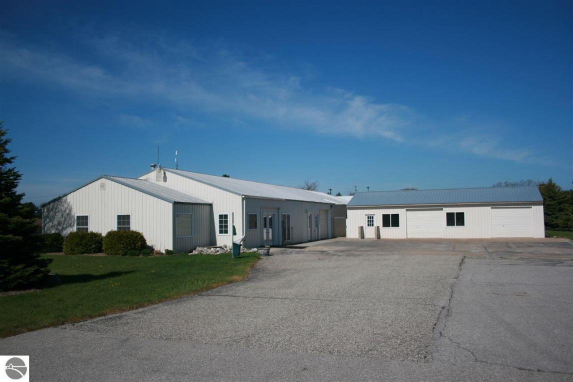 201 Loomis Drive, Elk Rapids, MI 49629